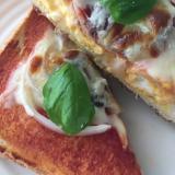 贅沢 アンチョビ 分厚い ピザトースト たまご
