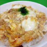 子供が喜ぶ(^^)簡単ツナ缶と玉ねぎの卵とじ丼♪