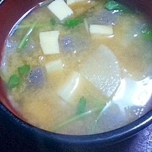 ごま油香る☆高野豆腐と大根とこんにゃくの味噌汁