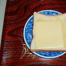 からしマヨぬり チーズトースト