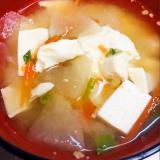 人参・お豆腐・大根の味噌汁