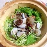 シウマイも入れて、秋鮭の鍋物