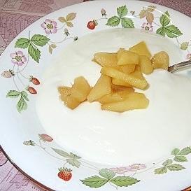 材料はりんごと砂糖のみ◎簡単なのに万能!りんご煮