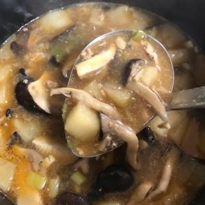 残った麻婆豆腐で酸辣湯風スープ