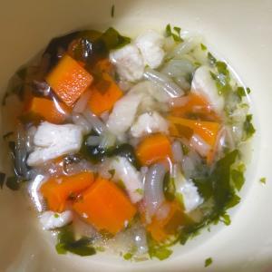 《離乳食完了期》もやし人参わかめのチキン野菜スープ