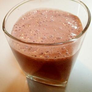 美的 苺とサラダ菜のミルクジュース