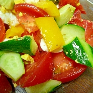 ゴロゴロ野菜のカラフルサラダ