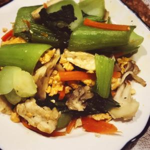 舞茸とチンゲン菜の卵炒め♪