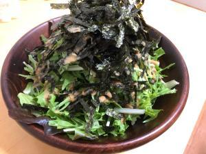 すごく簡単!レタスと海苔の中華風ゴマサラダ