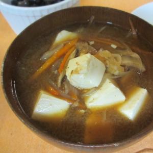 野菜出汁で豆腐の味噌汁