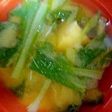 小松菜と豆腐の味噌汁