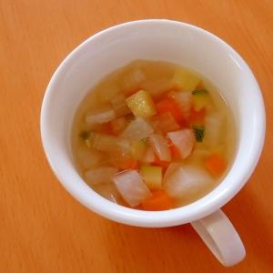 大根とズッキーニのスープ