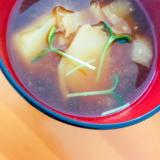 じゃが芋と大根の味噌汁