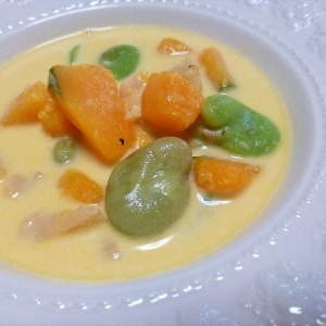 そら豆とかぼちゃのホタテクリームスープ
