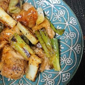 ご飯がススム☆白ネギと鶏肉のマヨ味噌炒め
