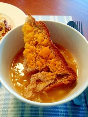 塩麹で時短☆ダシダdeオニオングラタン風スープ