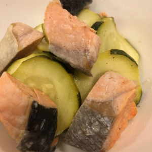 ズッキーニと鮭☆塩レモンでさっぱり煮