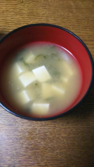 豆腐とネギのお味噌汁(沖縄そばのだし使用)