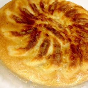 市販の生餃子をパリパリの羽根つき餃子に焼く方法
