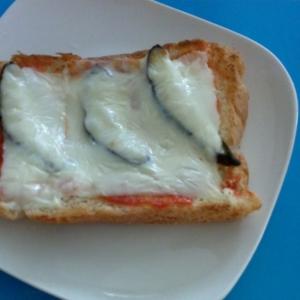 ナスのぬか漬けで簡単ピザトースト