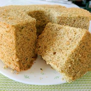 緑茶のシフォンケーキ