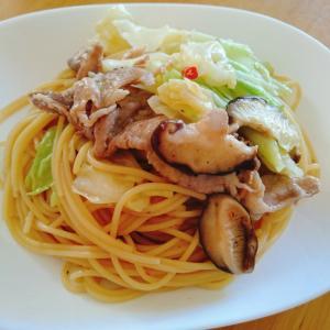 豚小間 キャベツ 椎茸のペペロンチーノ