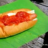 △キャンプの朝食△ トマトソースのホットドッグ