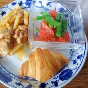 鶏じゃがオイスター炒め&トマトサラダのワンプレート