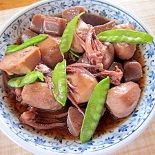 冷凍里芋とイカゲソの煮物