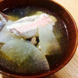 【ガサツ料理】旨味たっぷりホウボウの味噌汁