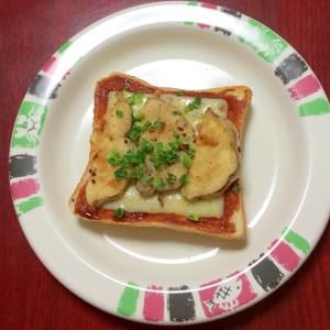 さつま芋の天ぷらINチーズトースト