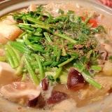 セリと豚バラの甘辛味噌鍋