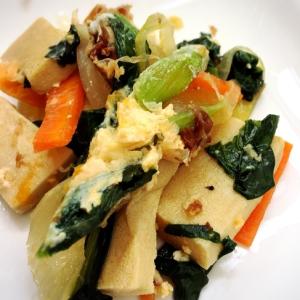 メイン、副菜、お弁当!野菜たっぷり高野豆腐の卵とじ