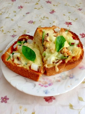 美味しい朝ごはん(^_^)ピザトースト