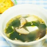 節約料理!鶏ガラの素で★豆腐と海苔の韓国風スープ