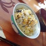 シリコンスチーマーで、簡単卵ひじきご飯