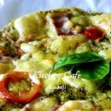 バジルソースのクリスピーピザ
