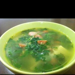 パクチーとソーセージの豆腐スープ