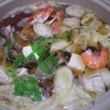 お鍋の季節到来!  「海の幸いっぱい鍋」  ♪♪