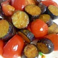 なすとトマトのカレー炒め