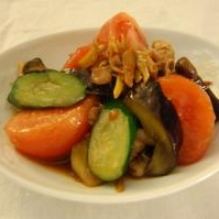 ビタミンたっぷり!豚肉と夏野菜の中華風炒め