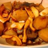 里芋のホクホク具合がちょうどいい!イカと里芋の煮物