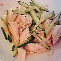 塩鶏ときゅうりのラー油和え