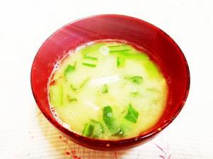 小松菜とベーコンのお味噌汁