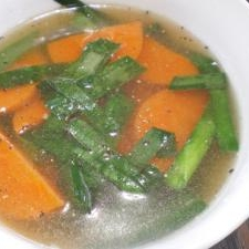 ニラと人参のスープ