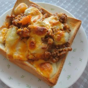 シェパードパイリメイク☆チーズトースト