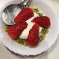 豆乳ヨーグルトでイチゴパフェ風