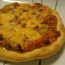 炒めてのせて!ガーリック&トマト&鶏ひき肉ピザ