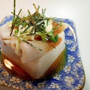 麺つゆマヨで 竹輪とかいわれ大根ときざみ海苔の冷奴