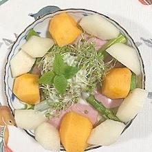 ロースハム、柿、梨のサラダ